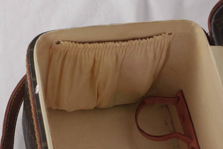 LOUIS VUITTON Vintage Brown MONOGRAM Canvas Travel Bag TRAIN CASE Beauty For Sale 6