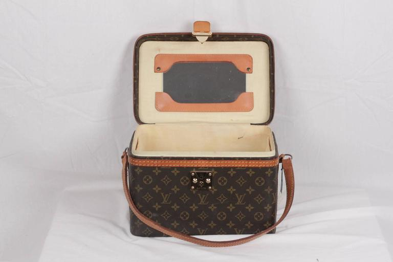 LOUIS VUITTON Vintage Brown MONOGRAM Canvas Travel Bag TRAIN CASE Beauty For Sale 2