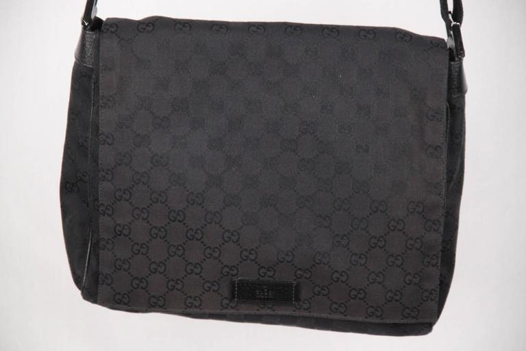 fb426ce889c GUCCI Black GG Monogram Canvas MESSENGER BAG Crossbody In Good Condition  For Sale In Rome