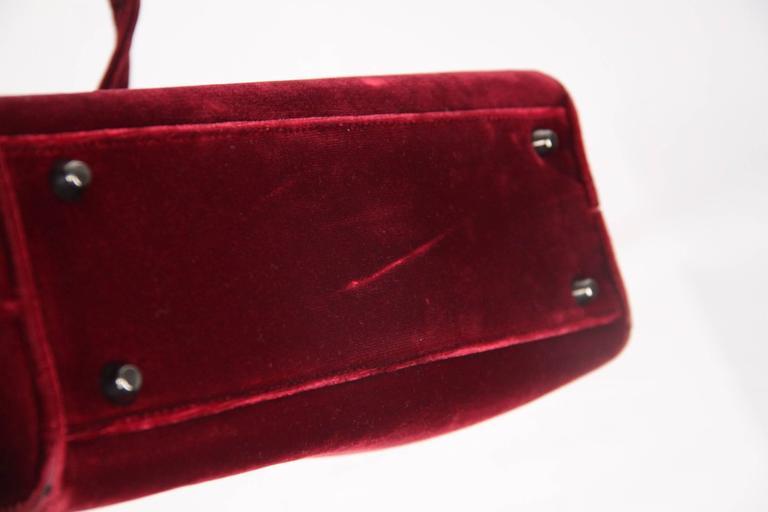 Authentic PRADA Red Burgundy Velvet FRAME BAG Handbag In Fair Condition For Sale  In Rome b8d768f459032