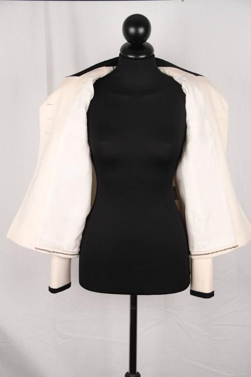 CHANEL BOUTIQUE 96P White & Black Wool Blend JACKET Blazer SIze 38 For Sale 1