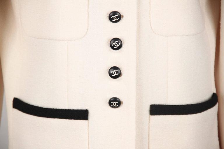 Beige CHANEL BOUTIQUE 96P White & Black Wool Blend JACKET Blazer SIze 38 For Sale