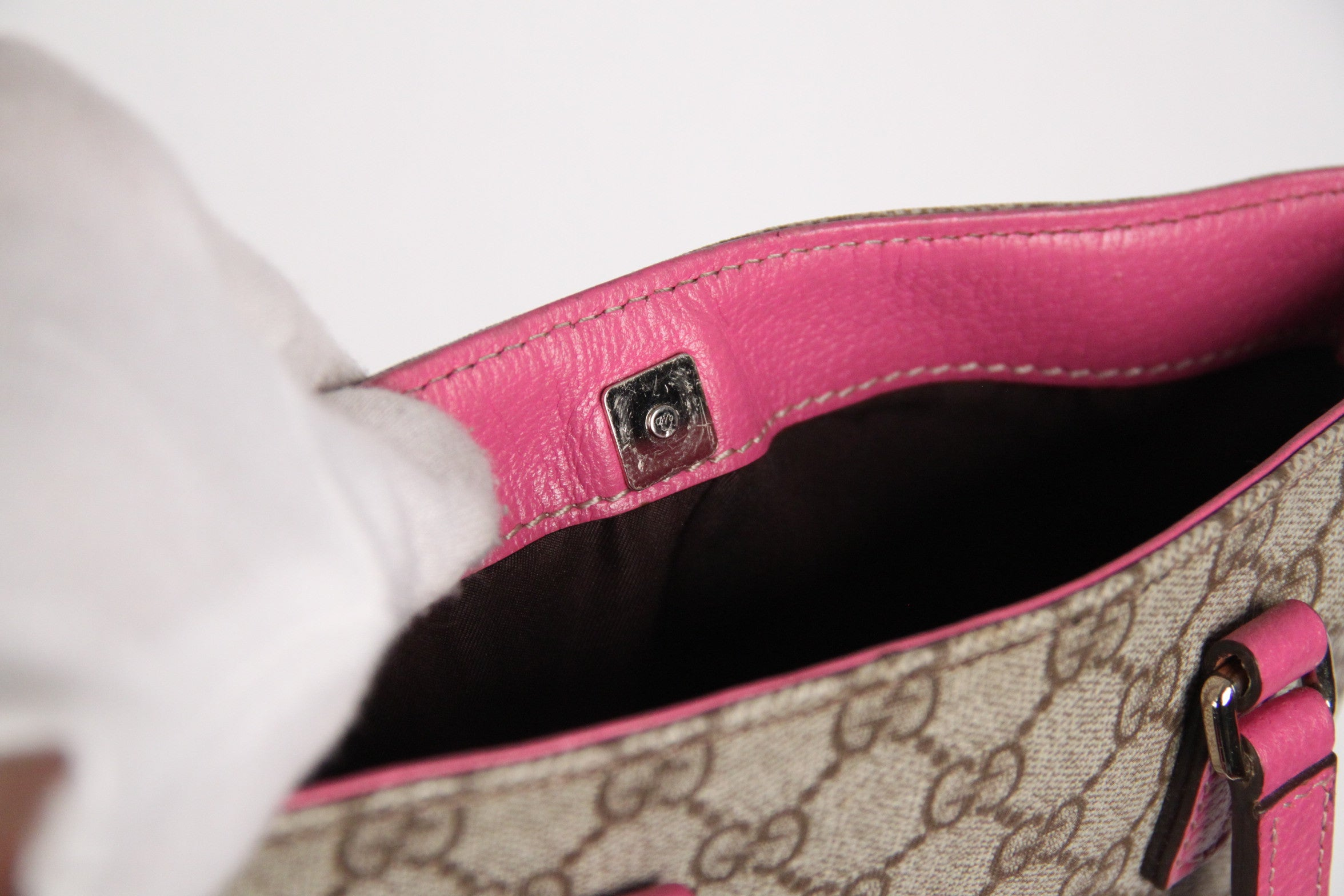 66bdefbcd4f1 GUCCI Monogram Canvas SHOPPING BAG Tote Handbag w  Pink Trim For Sale at  1stdibs