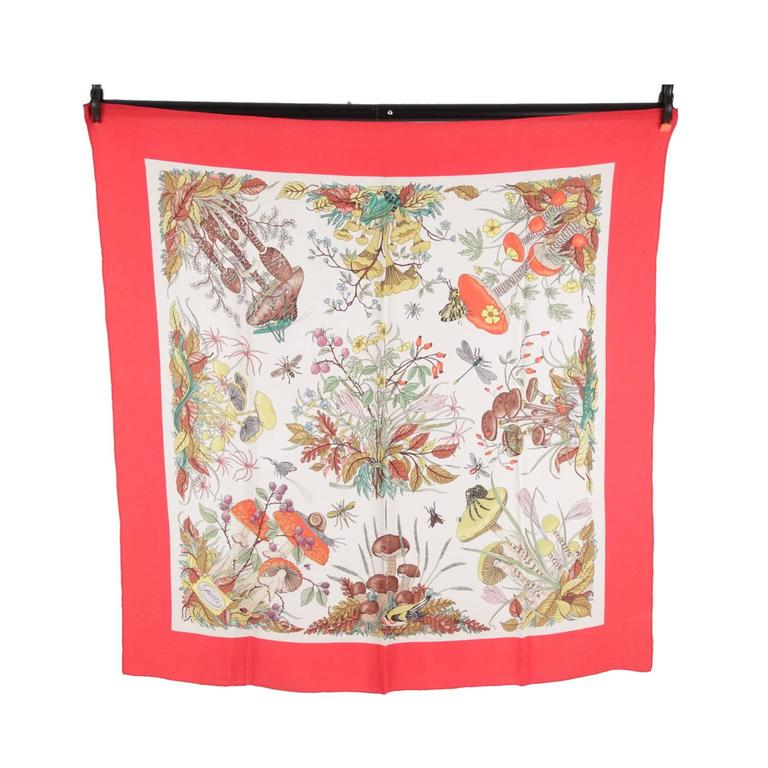 GUCCI Silk Crepe VINTAGE Red Border MUSHROOMS SCARF Accornero For Sale