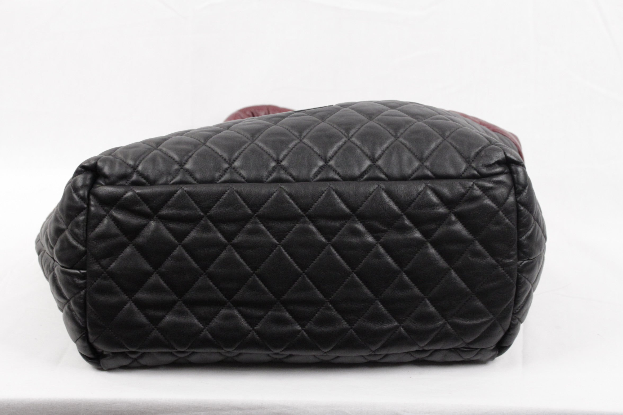 ca94f27aa Chanel Black/Burgundy Reversible Leather Coco Cocoon Tote Handbag For Sale  at 1stdibs