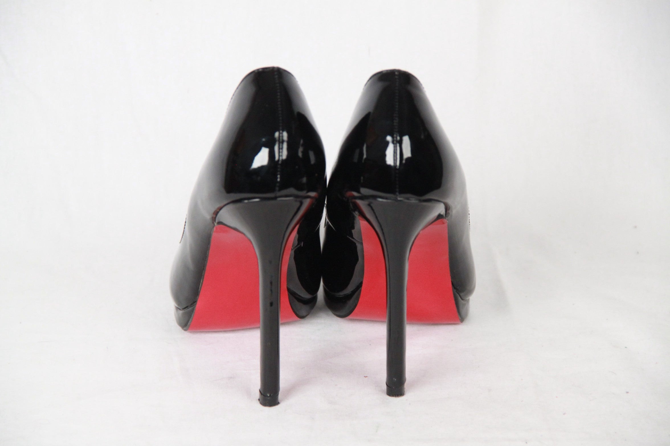 quality design f6e1b be043 CHRISTIAN LOUBOUTIN Black Patent Leather PIGALLE PLATO Heels 37