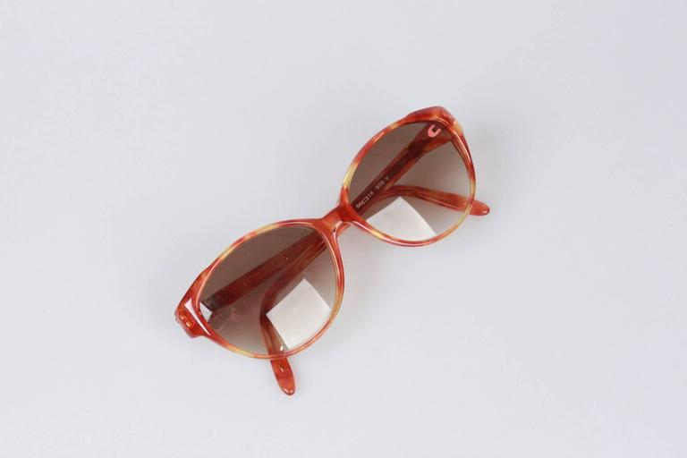 YVES SAINT LAURENT Vintage MINT SUNGLASSES TOHAS 920 56mm In Excellent Condition For Sale In Rome, Rome