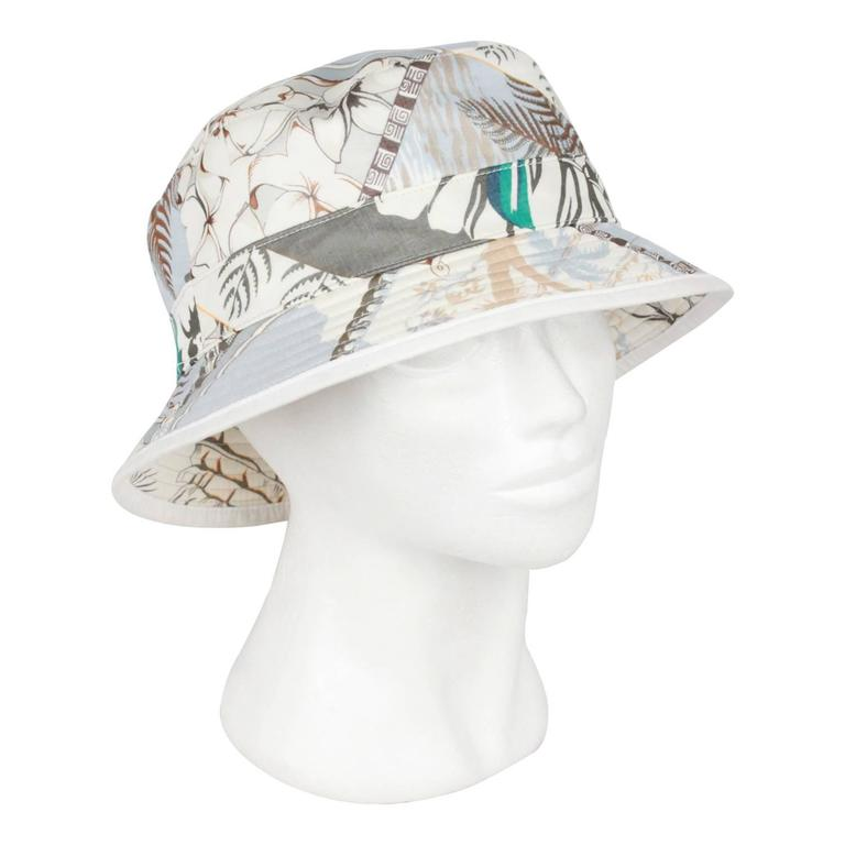4186653cf6b9b HERMES Printed Cotton BUCKET HAT Size 58 at 1stdibs