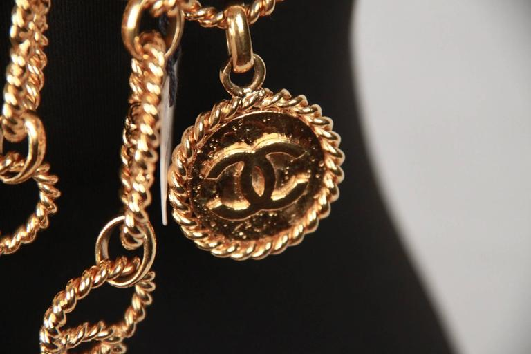 Chanel Gold Metal ring Chain Necklace or belt with CC Medallion For Sale 3
