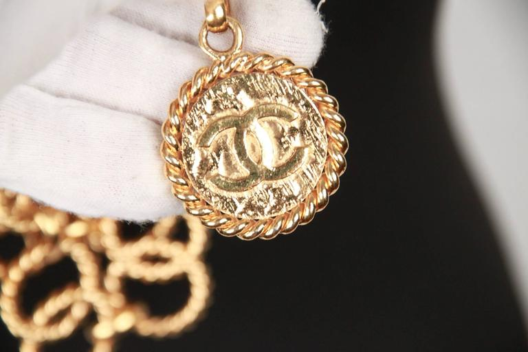 Chanel Gold Metal ring Chain Necklace or belt with CC Medallion For Sale 5