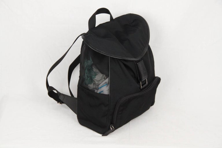 GUCCI Black Canvas & Mesh BACKPACK BAG In Excellent Condition For Sale In Rome, Rome