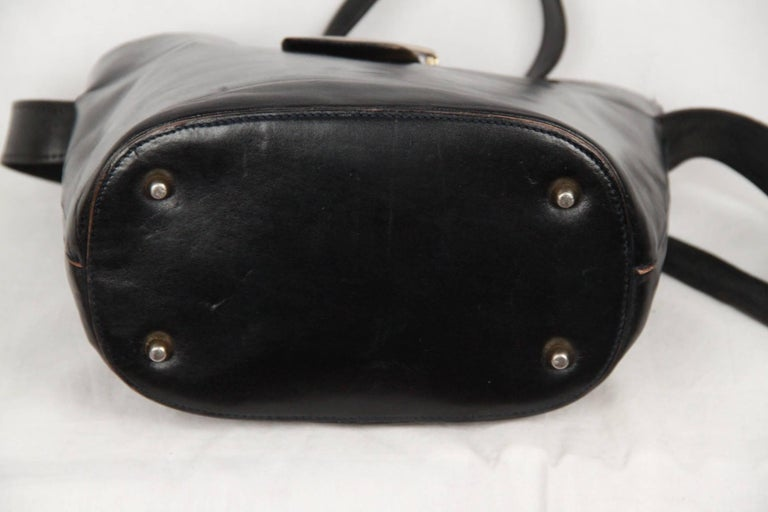 PRADA Vintage Black Leather TOTE SHOULDER BAG Bucket In Good Condition For Sale In Rome, IT