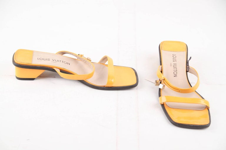 Brand: LOUIS VUITTON Paris - Made in Italy  Conditio: B: GOOD CONDITION: Some light wear or small defect.   Condition details: Some normal wear of use on the leather, ome darkness on the insoles, some scratches and wear of use on the