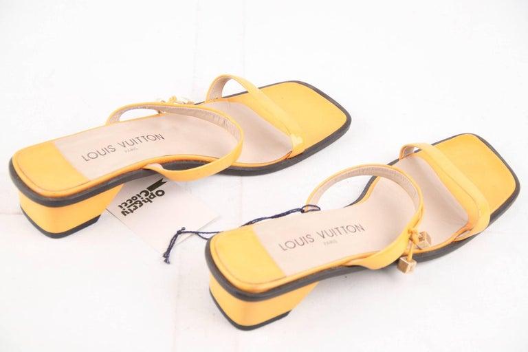 LOUIS VUITTON Yellow Patent Leather FLAT SANDALS Shoes SZ 38 For Sale 4