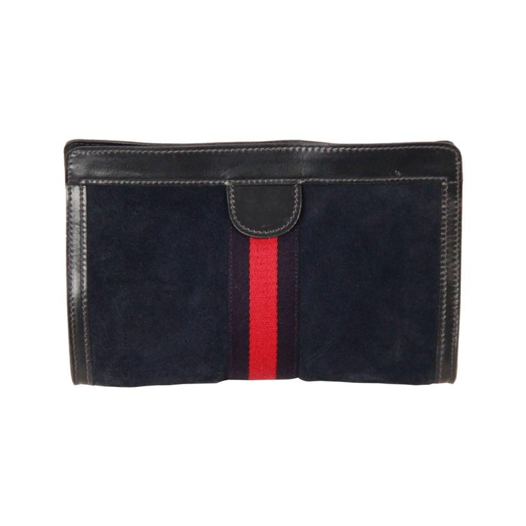 67236a8e468a GUCCI VINTAGE Blue Suede COSMETIC BAG Clutch For Sale at 1stdibs