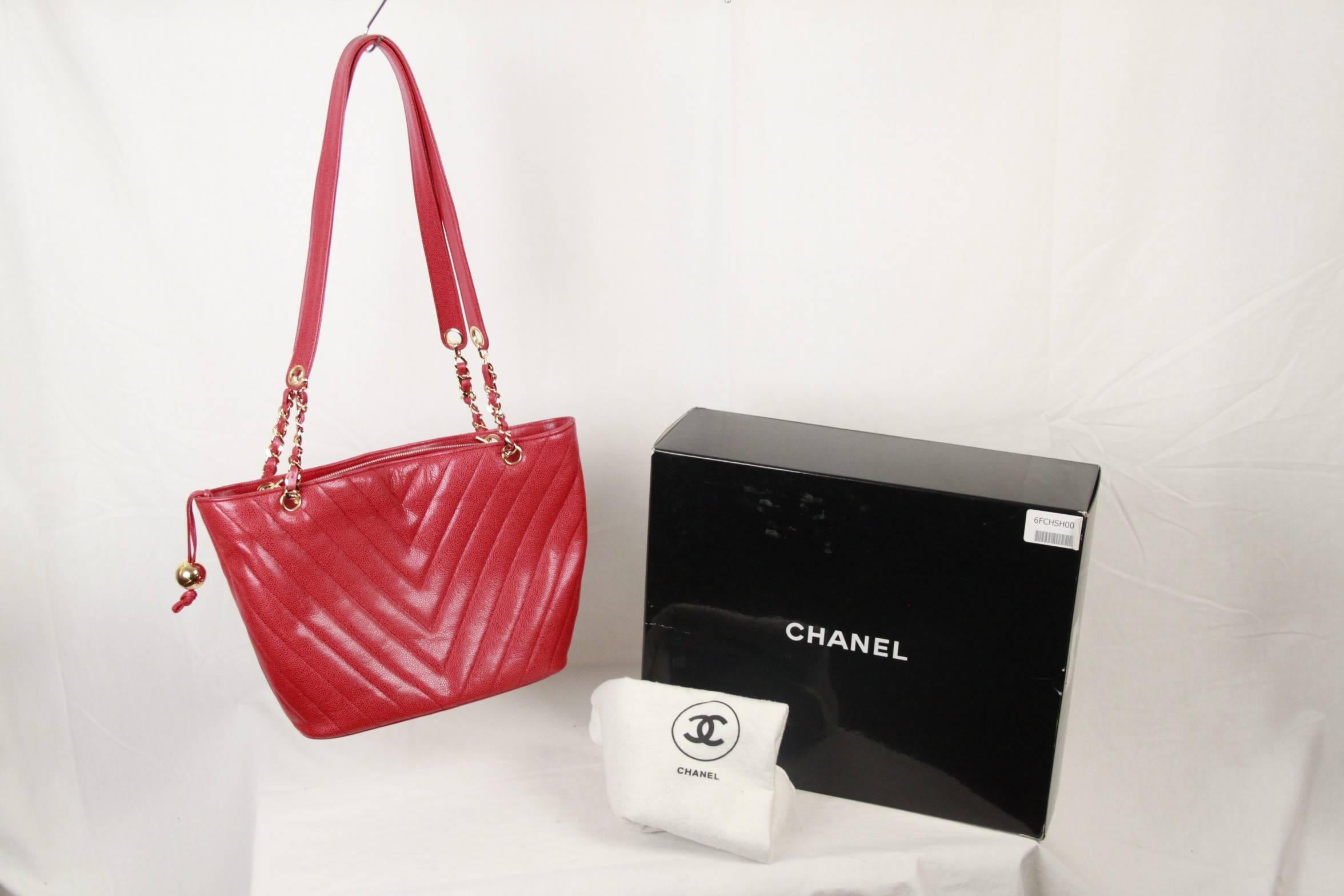 58c093216a6d4d CHANEL Vintage Red CHEVRON Caviar Leather TOTE For Sale at 1stdibs