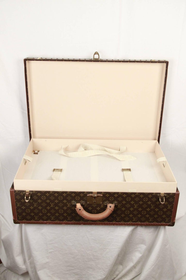 LOUIS VUITTON Vintage Monogram Canvas ALZER 80 Travel Bag TRUNK In Good Condition For Sale In Rome, IT
