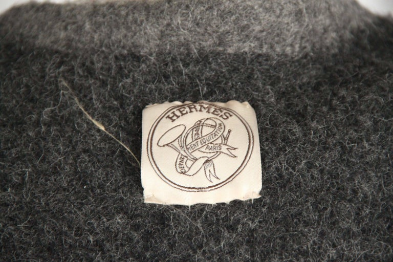 Hermes Paris Vintage Gray Pure New Wool Coat Size M In Good Condition For Sale In Rome, Rome
