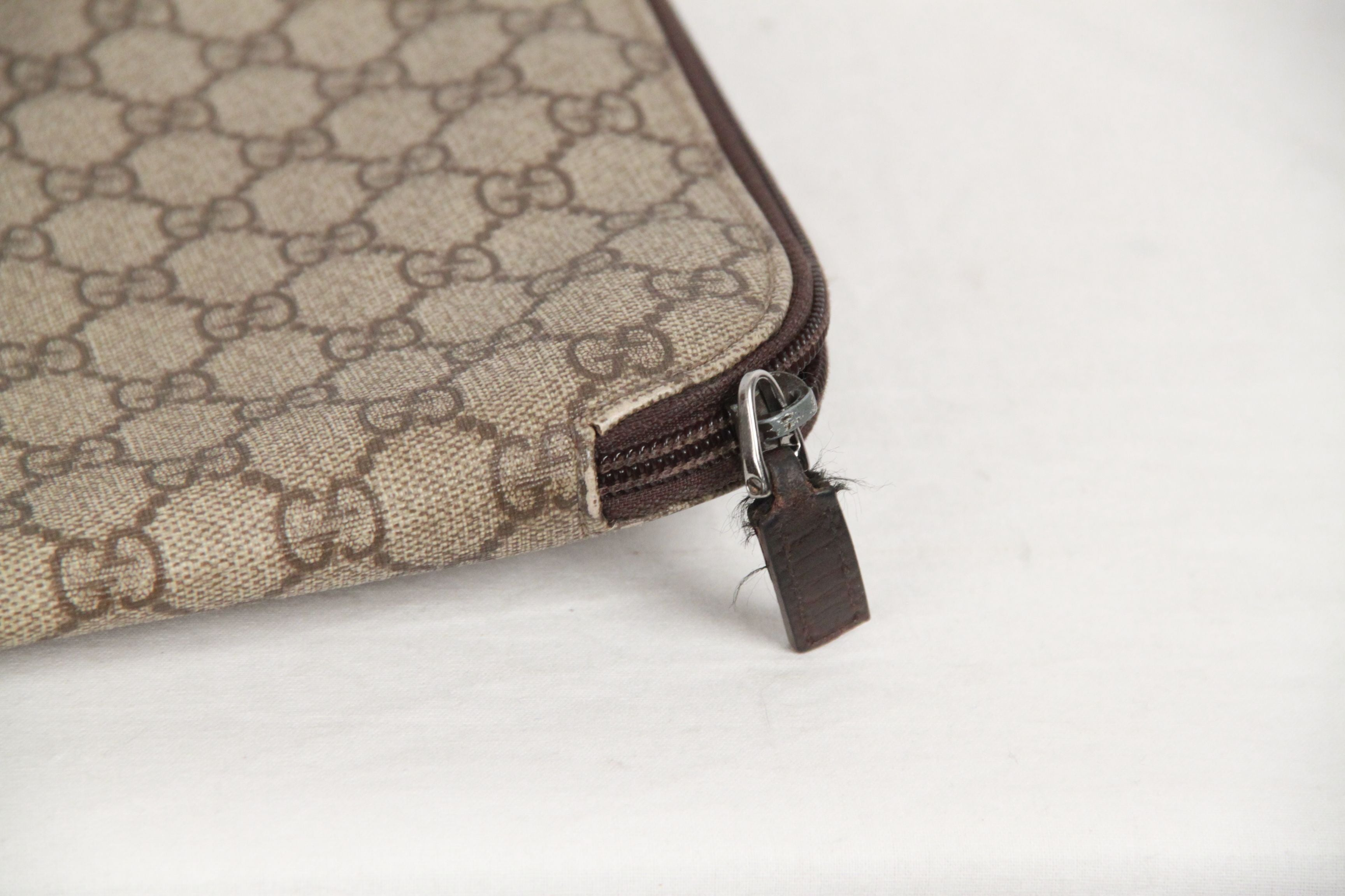 6c8a45c99a0e GUCCI Brown GG MONOGRAM Canvas PORTFOLIO Document Holder For Sale at 1stdibs
