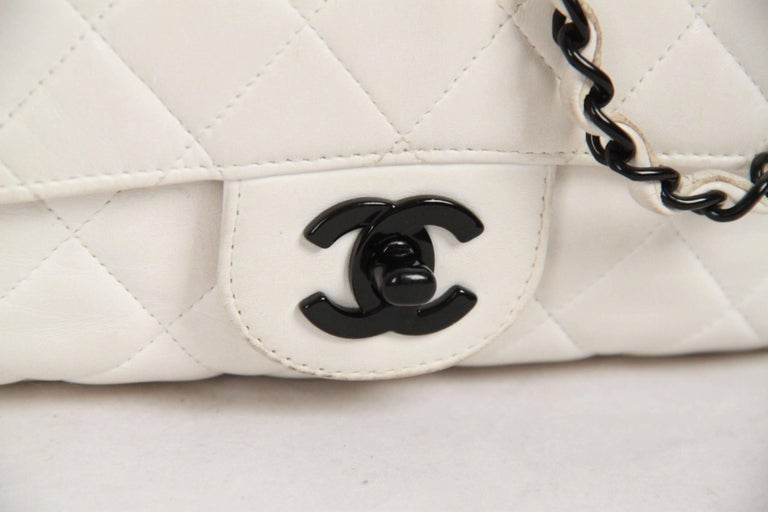 f43e65f000c2 vintage Chanel white leather quilted shoulder bag from the 1990s  Period/Era: 1994
