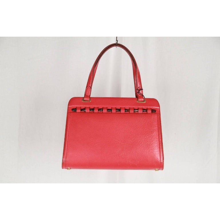 41d9503fa9f GUCCI VINTAGE Red Leather HANDBAG w  BAMBOO Detail RARE In Good Condition  For Sale In