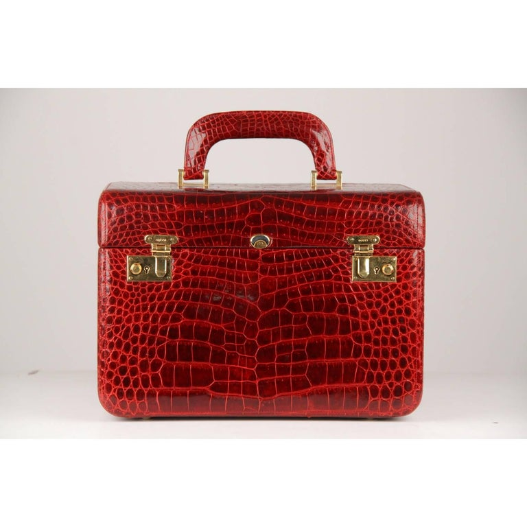 Red Gucci Vintage Burgundy Crocodile Beauty Travel Bag Train Case  For Sale