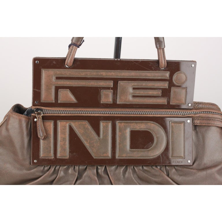 Fendi Brown Leather Convertible To You Clutch Bag Tote In Fair Condition For Sale In Rome, Rome