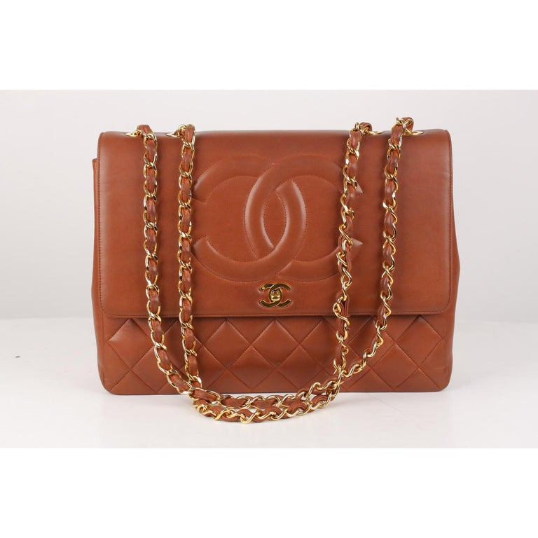 2c494f26edce Chanel Vintage Brown Quilted Leather Jumbo Shoulder Bag with CC Logo In  Good Condition For Sale