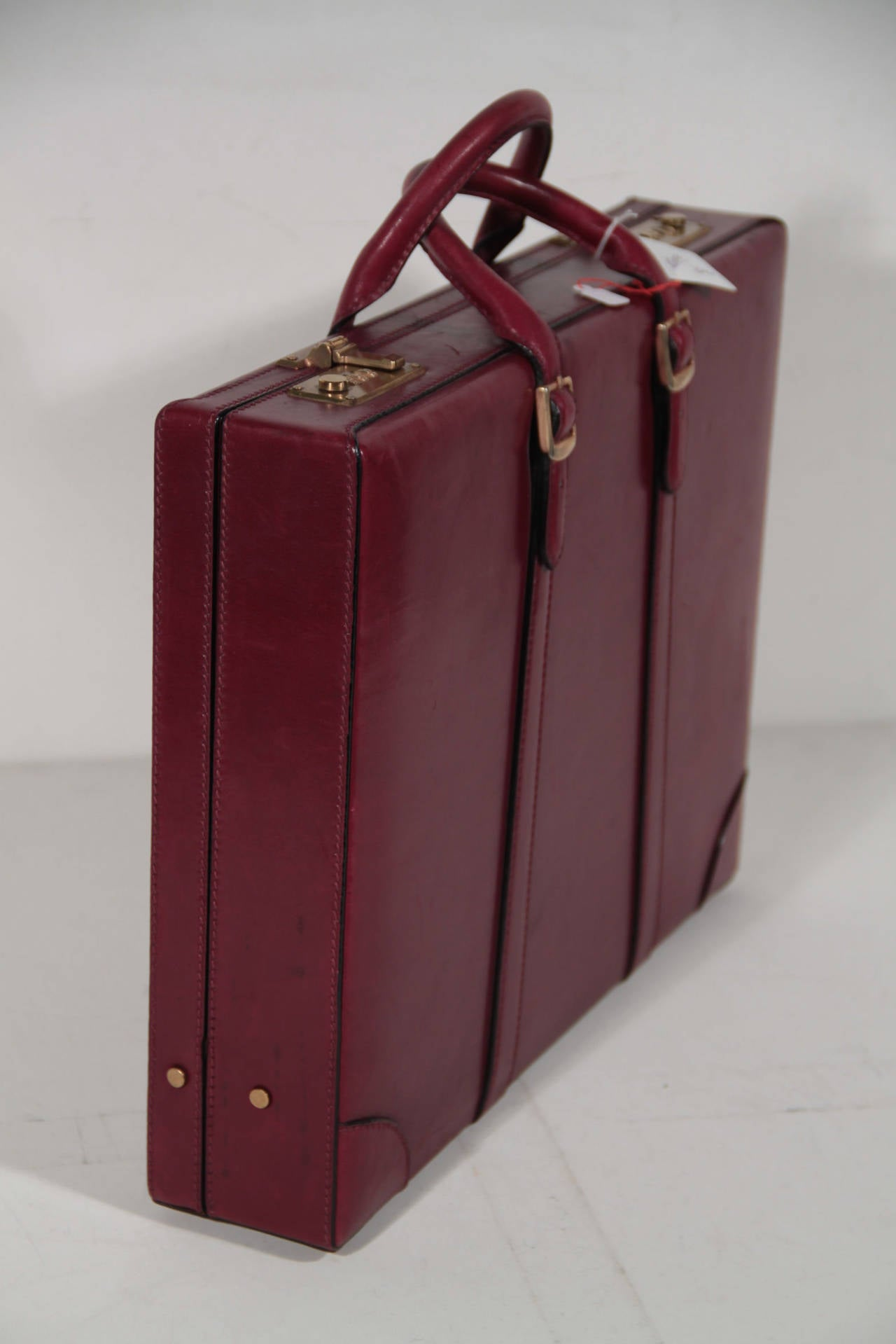 Beige GUCCI Italian VINTAGE Burgundy Leather HARD SIDE BRIEFCASE Work Bag HANDBAG For Sale