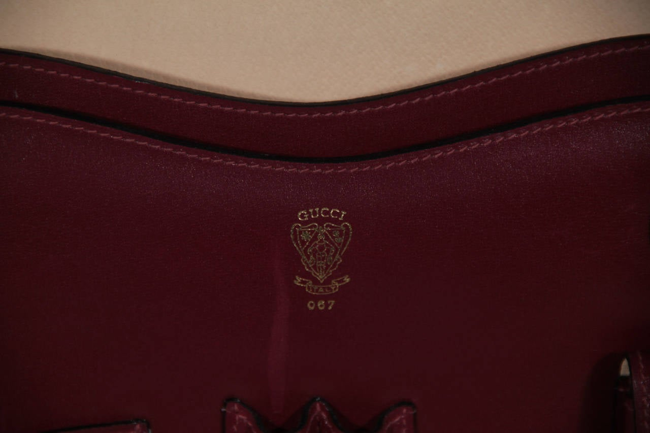 GUCCI Italian VINTAGE Burgundy Leather HARD SIDE BRIEFCASE Work Bag HANDBAG For Sale 5