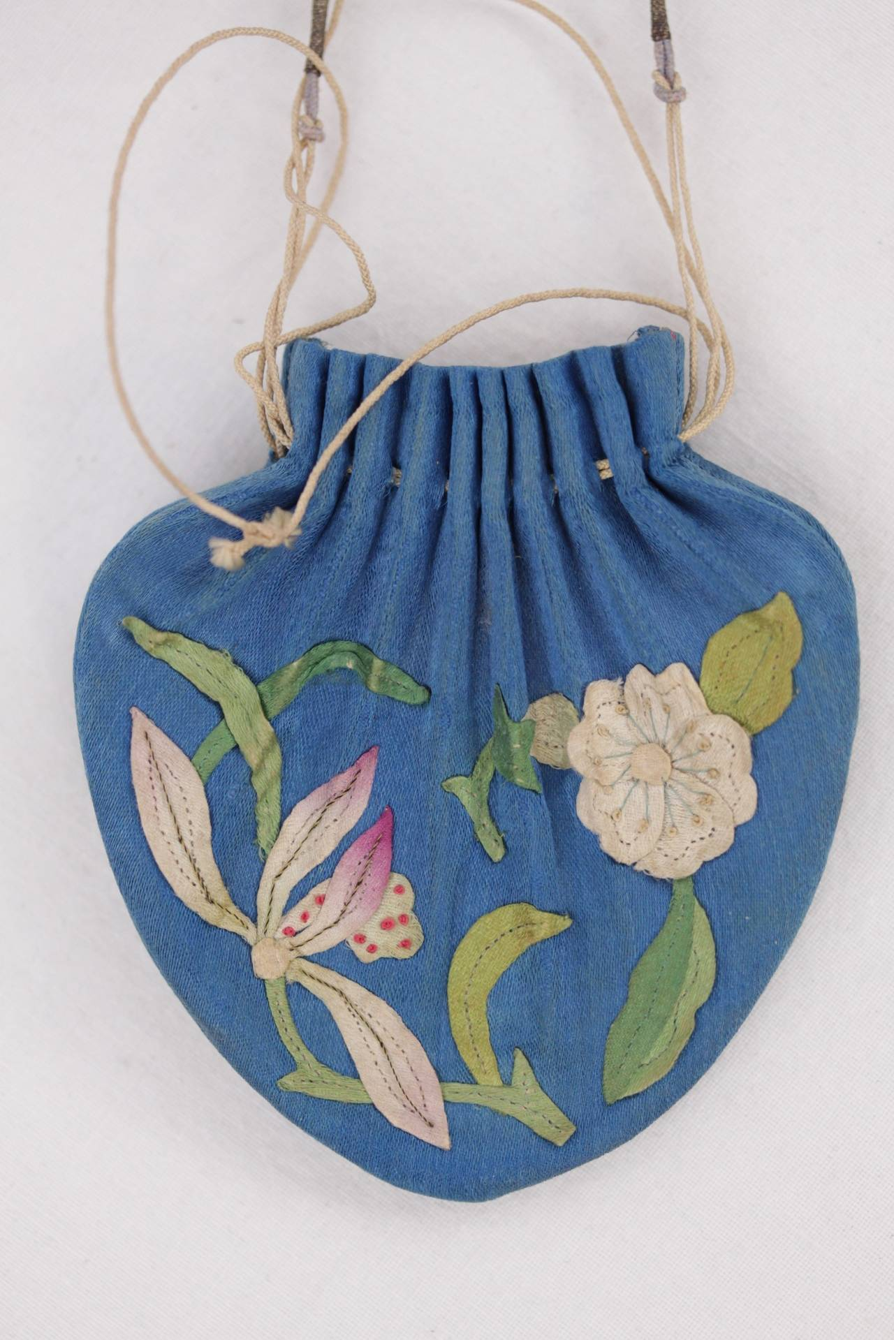 Beautiful Embroidered Chinese Scent Pouch From The Late 19th Century Qing