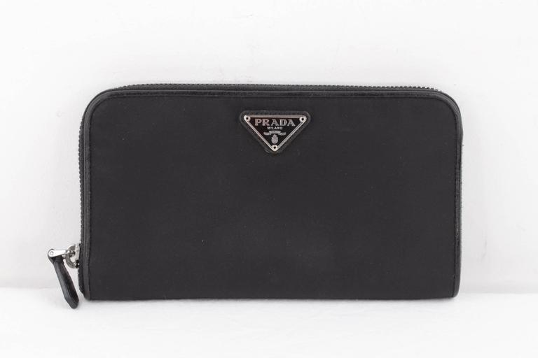 PRADA Black Vela Canvas & Leather LONG ZIP AROUND WALLET Coin Purse w/ BOX In Good Condition For Sale In Rome, Rome
