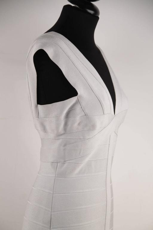 HERVE LEGER Pearl Gray Bodycon BANDAGE DRESS Sleeveless V NECK Size M CP For Sale 4