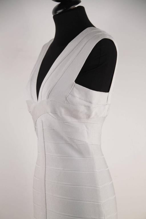 HERVE LEGER Pearl Gray Bodycon BANDAGE DRESS Sleeveless V NECK Size M CP For Sale 2