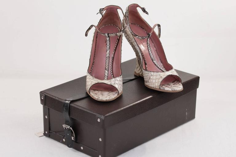 AZZEDINE ALAIA Beige SNAKE Reptile Leather WEDGES SHOES Size 38 1/2 w/ BOX  In Excellent Condition For Sale In Rome, Rome