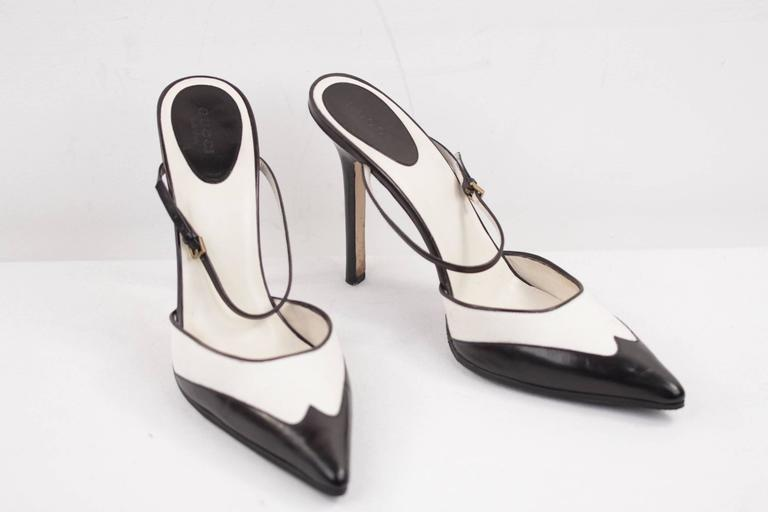 GUCCI Italian BICOLOR Canvas & Leather PUMPS Heels SHOES Mules w/Strap Sz 40C In Excellent Condition For Sale In Rome, Rome