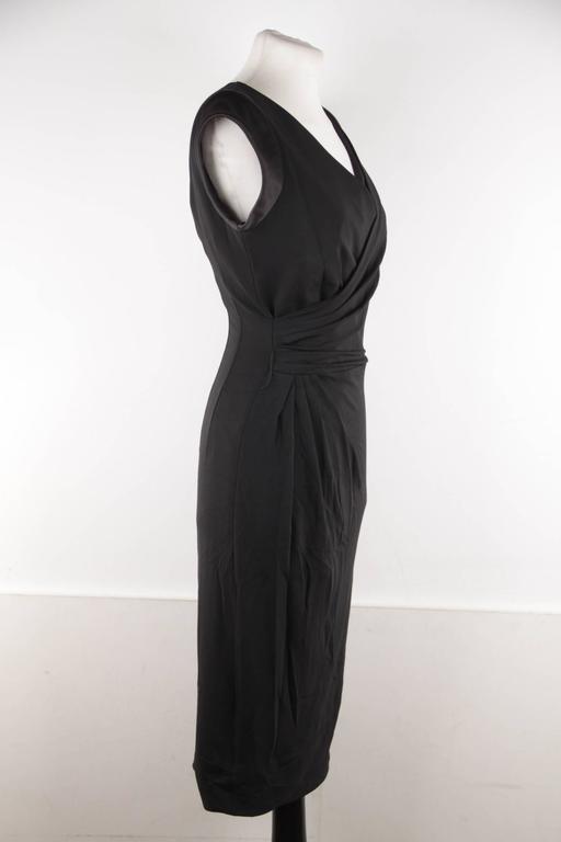 VERSACE Italian V Neck LITTLE BLACK DRESS Sheath w/ Drape Front SIZE 40 In Good Condition For Sale In Rome, Rome