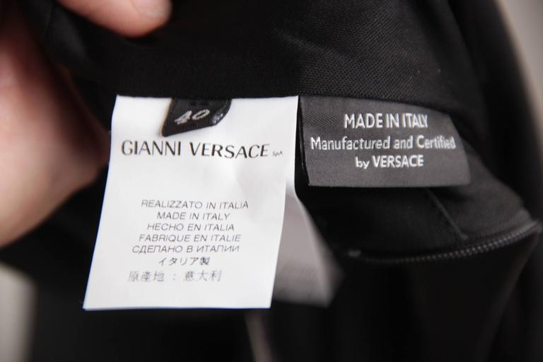 VERSACE Italian V Neck LITTLE BLACK DRESS Sheath w/ Drape Front SIZE 40 For Sale 4