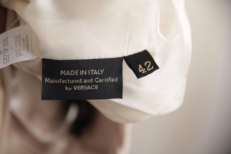 VERSACE Italian Beige HALTER SHIFT DRESS 2006 Fall Collection Sz 42 IT  For Sale 5
