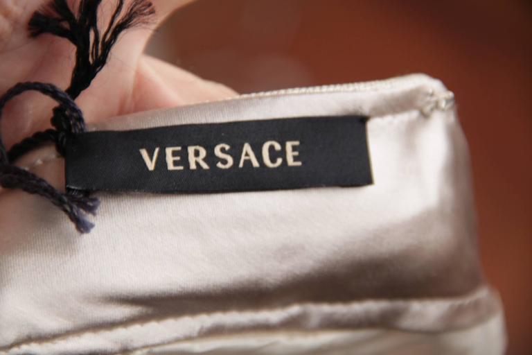 VERSACE Italian Beige HALTER SHIFT DRESS 2006 Fall Collection Sz 42 IT  For Sale 3