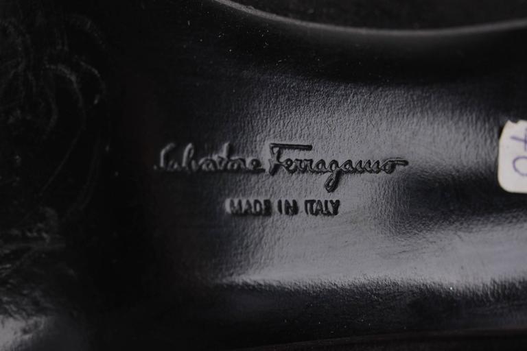 SALVATORE FERRAGAMO Black Suede GANCINO Stick Pin HEELS Pumps SHOES 8 1/2 B 9