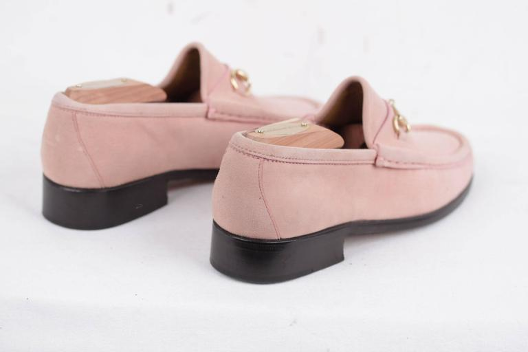 093f90701a0 GUCCI Italian VINTAGE Pink Suede LOAFERS Mocassins SHOES w  HORSEBIT 35 1 2  In