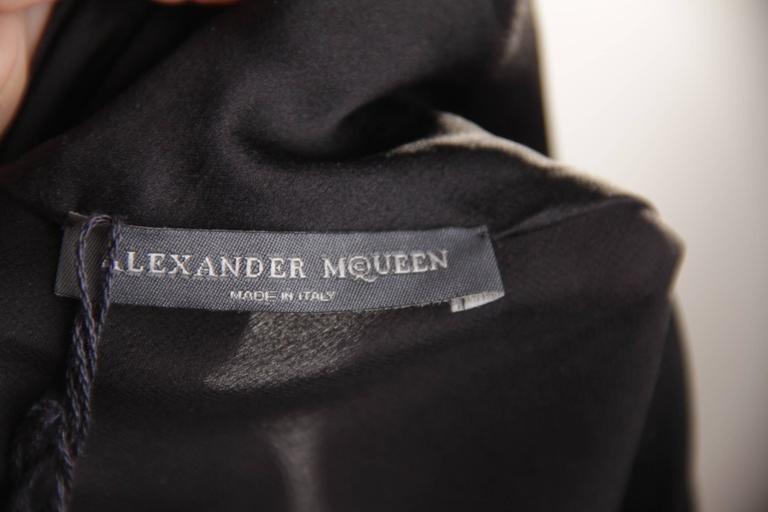 ALEXANDER McQUEEN Black Silk Sleeveless BLOUSE Top w/ TIE NECK Detail 42 IT 6
