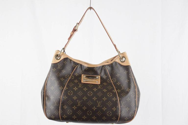 LOUIS VUITTON Brown Monogram Canvas GALLIERA PM HOBO Shoulder Bag TOTE In Excellent Condition For Sale In Rome, Rome