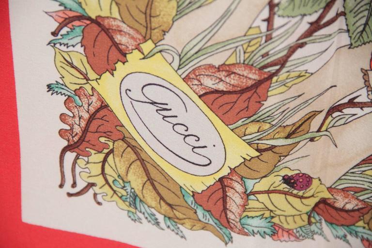GUCCI Silk Crepe VINTAGE Red Border MUSHROOMS SCARF Accornero In Good Condition For Sale In Rome, Rome