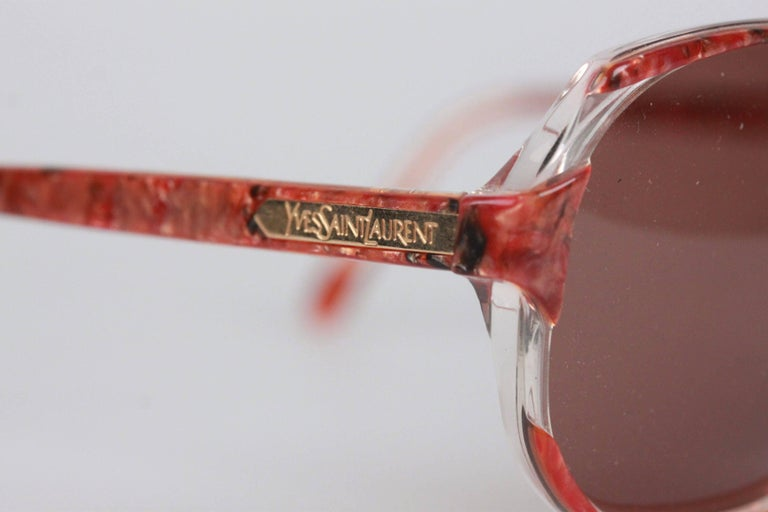 YVES SAINT LAURENT Vintage Marbled RED MINT Sunglasses NAXOS 825 56mm In New Condition For Sale In Rome, Rome