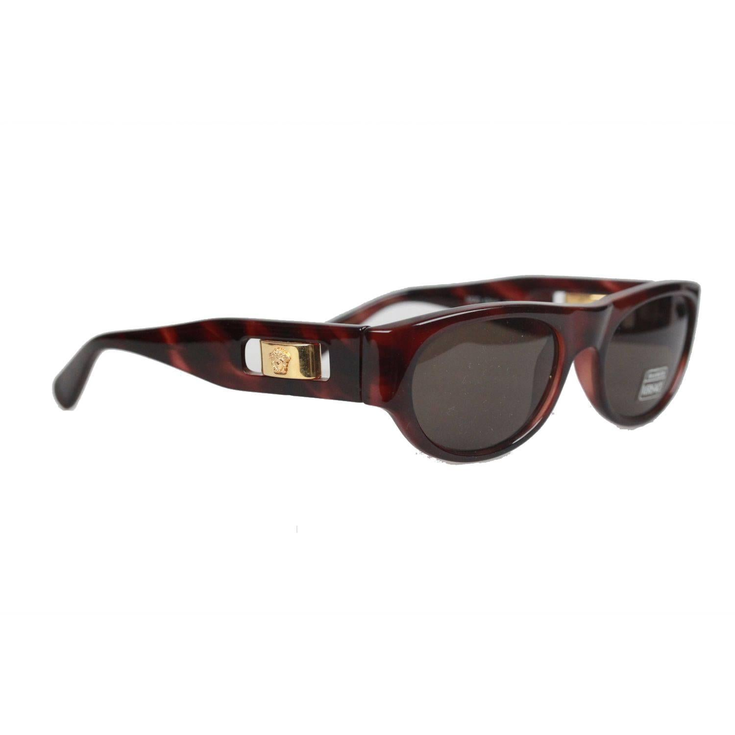 7322f604da GIANNI VERSACE MEDUSA Brown Sunglasses 474 A Col 900 52mm NOS For Sale at  1stdibs