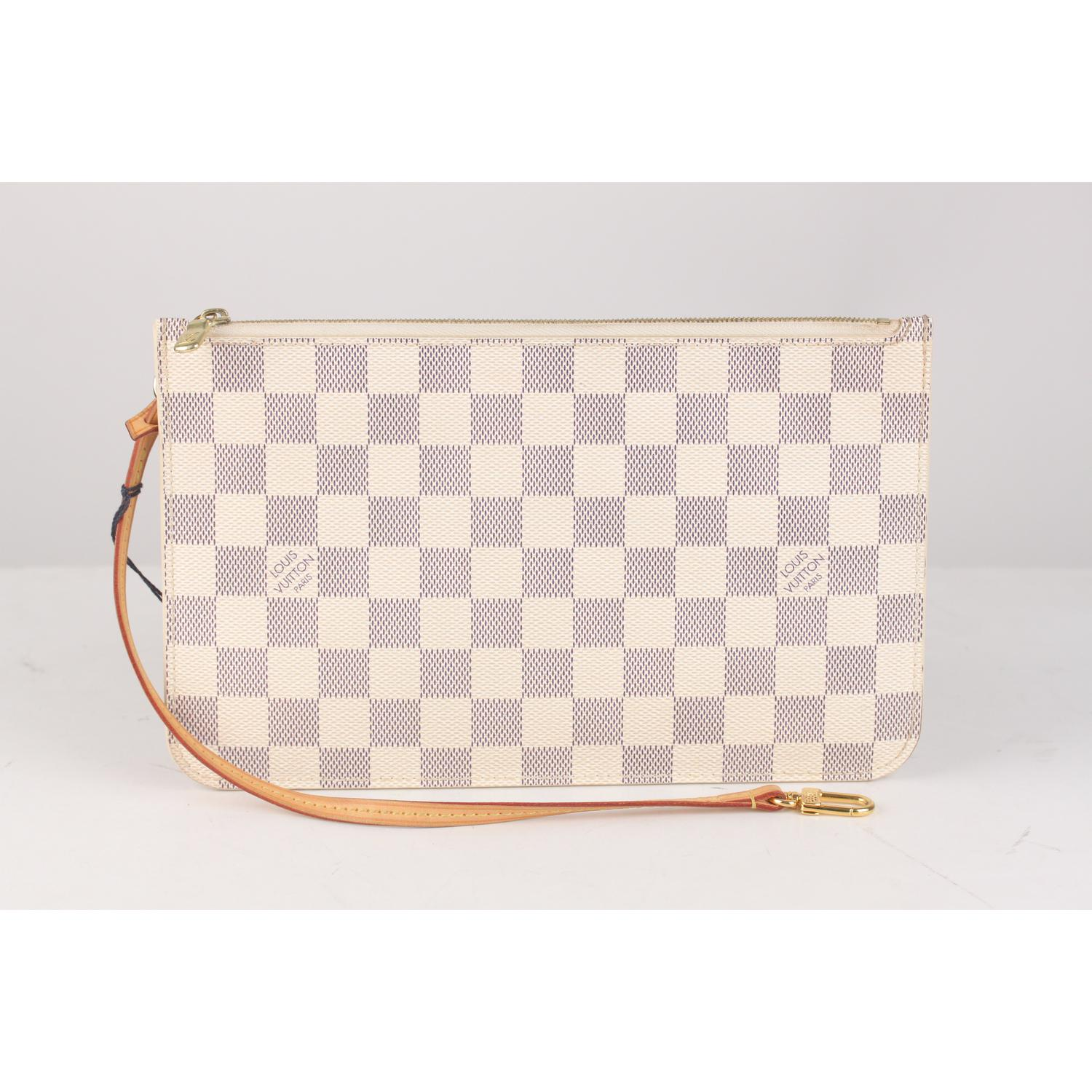 abc7a6029039 Louis Vuitton Damier Azur Canvas Pouch For Neverfull MM GM For Sale at  1stdibs