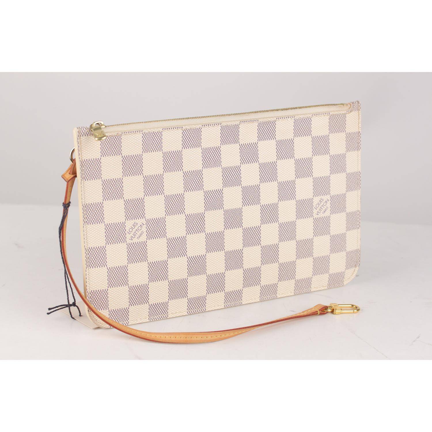 d5994c31c55c9 Louis Vuitton Damier Azur Canvas Pouch For Neverfull MM GM For Sale at  1stdibs