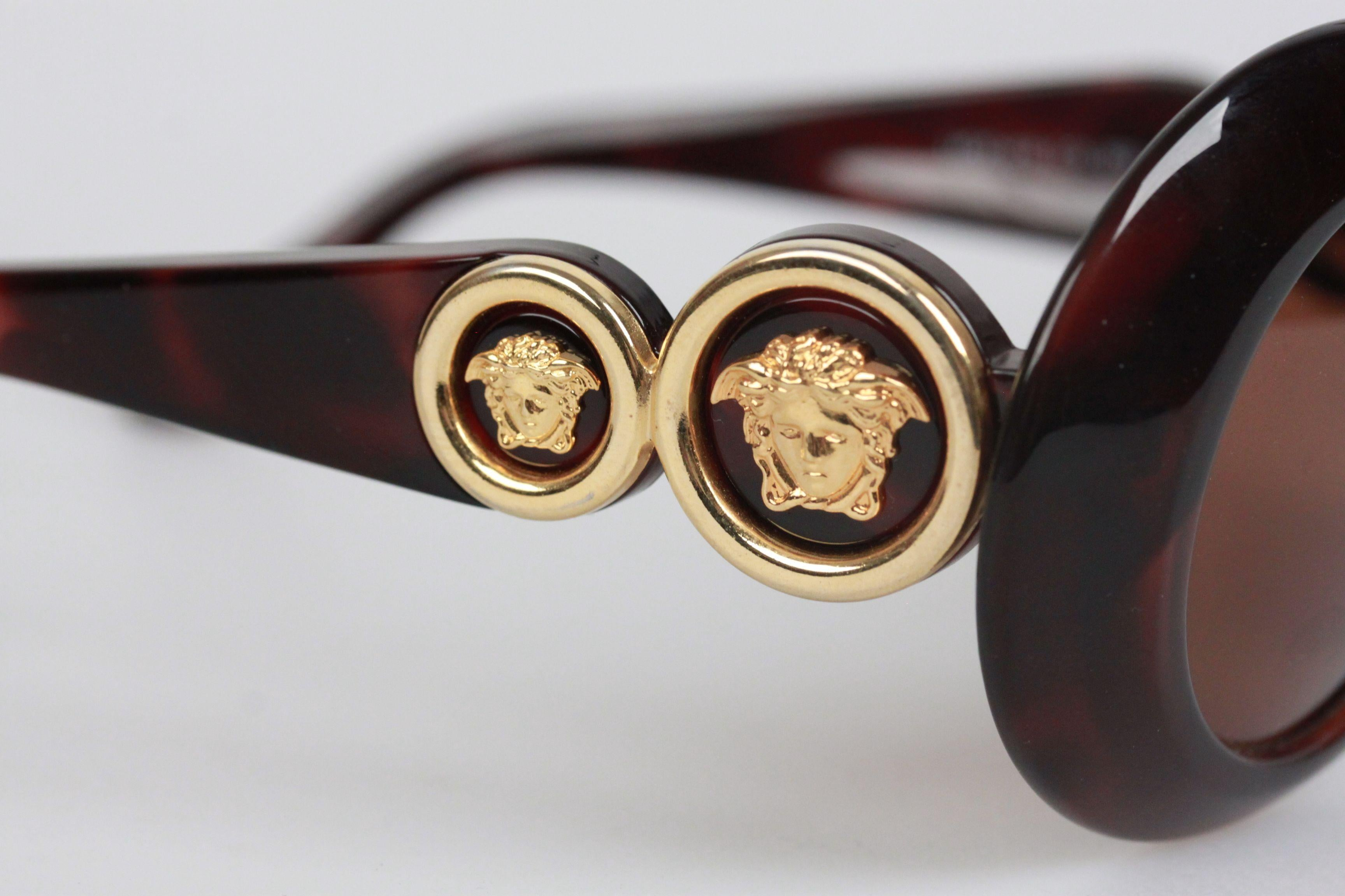 839764e3a Authentic Versace Brown Sunglasses Mod 418 Col 900 Gold Medusa For Sale at  1stdibs